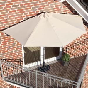ombrellone-da-balcone-a-parete